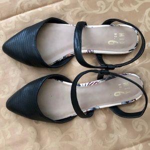 Black strappy Mix 6 Mary Jane flats Size 8.5